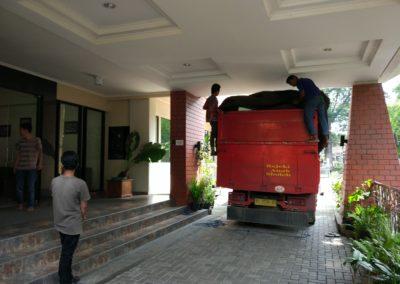 loading di UKSW Salatiga
